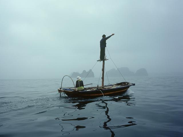 Vietnam - Baie d'Halong, sur les eaux du Dragon