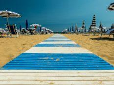 Plage à part à Trieste - A/R Magazine voyageur 2017