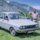 Celil Oskok du village d'Aladeg avec sa Renault 12 - A/R Magazine voyageur 2018