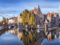 Bruges brûle d'un feu doux - A/R Magazine voyageur 2019
