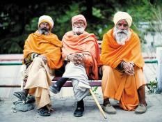 Trois-babas-à-Gangotri-grand-lieu-de-pelerinage-sur-les-rives-d